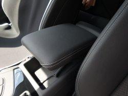 画像1: Audi純正NewA4/A5(8W)用レザーセンターアームレスト