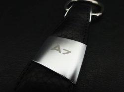 画像1: Audi純正A7レザーキーリング