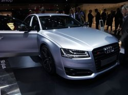 画像2: Audi純正S8 plus(4H)専用カーボントランクリップスポイラー