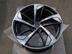 画像1: Audi純正RS 5(F5)用5アームトラペゾイドアンスラサイトブラックアルミセット