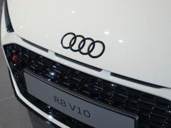 画像2: Audi純正GブラックTT(FV)フロント/Q2リア/R8_F用4Ringsエンブレム